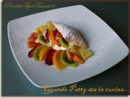 Millefoglie alla frutta con crema tiramisù