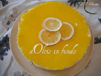 Mousse al limone su base di biscotto