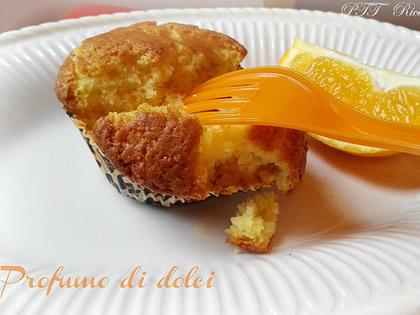 Muffin all'arancia soffici