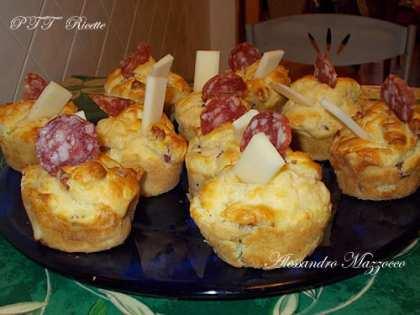 Muffin salati al salame e provolone