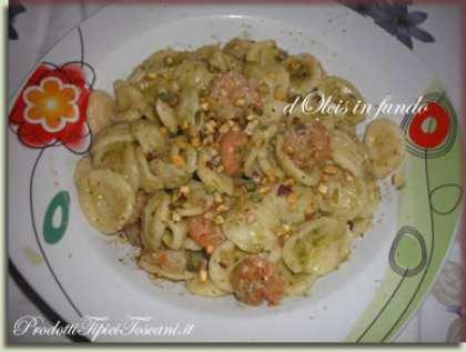 Orecchiette con gamberi, pesto e pistacchi