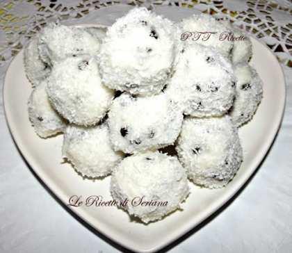 Palline di cocco con gocce di cioccolato