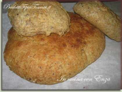 Pane di farina kamut e farro con semi di lino