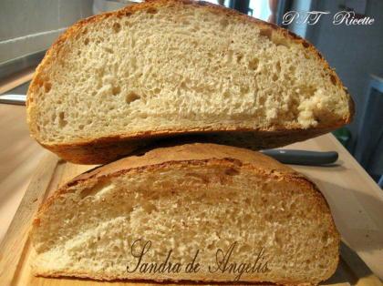 Pane bianco con lievitazione in frigo