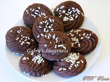 Pasticcini al cacao ripieni di Nutella
