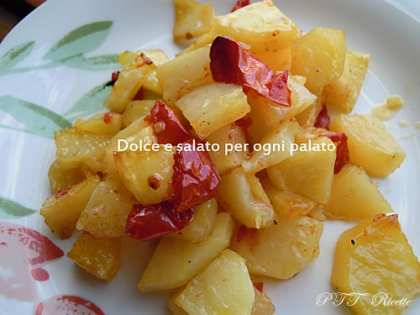 Patate al forno semplici e gustose