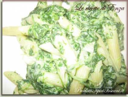 Penne con gorgonzola e spinaci
