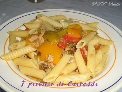 Pennette con peperoni al basilico