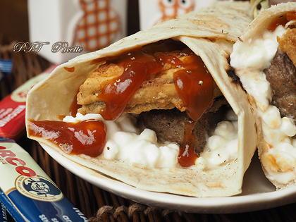 Piadina con hamburger, melanzane fritte e salsa barbecue