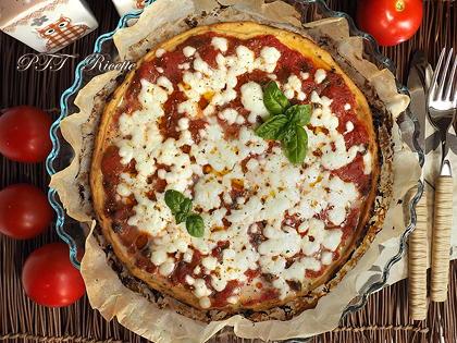 Pizza di cavolfiore rossa
