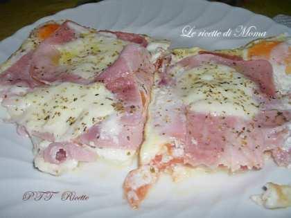 Pizza di uova al prosciutto