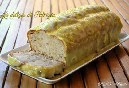 Plumcake alla banana con glassa