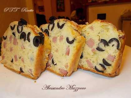 Plumcake salato con mortadella, Galbanino, olive nere e cipolla di Tropea