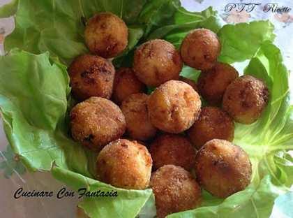 Polpette saporite di patate e tonno
