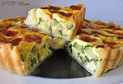 Quiche con zucchine, porri e formaggio