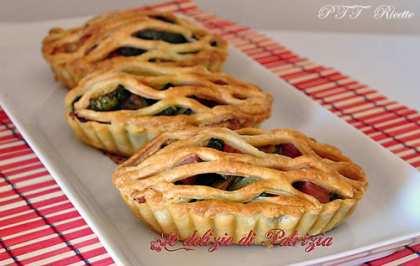 Rustici con zucchine, parmigiano e prosciutto cotto