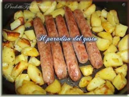 Salsicce di pollo al forno con patate