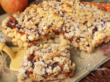 Sbriciolata tenera al cocco con mele e confettura (anche senza zucchero)