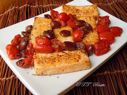 Tofu con olive e pomodorini