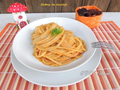 Tonnarelli alla crema di zucca e gorgonzola