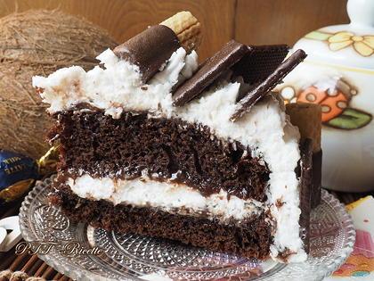 Torta al cacao con Nutella e panna al cocco