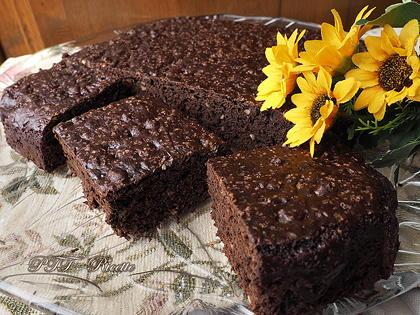 Torta al cacao e cioccolato senza uova
