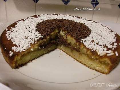 Torta al mascarpone con Nutella e confettura di albicocche