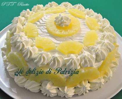 Torta all'ananas con crema al latte