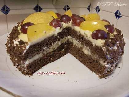 Torta cioccolato e frutta