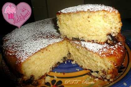 Torta cocco, latticello e gocce di cioccolato