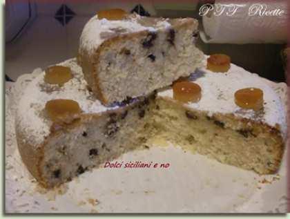 Torta con gocce di cioccolato all'essenza all'arancia