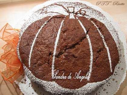 Torta con zucca, mela e cioccolato