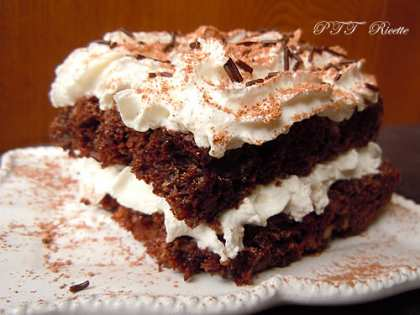 Torta dietetica al cacao, senza uova e senza burro