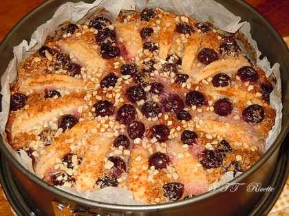 Torta light con ricotta, mele, uva