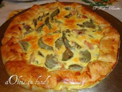 Torta salata con carciofi e prosciutto
