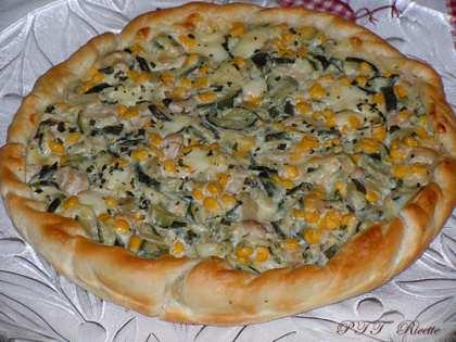 Torta salata con zucchine, mais, ricotta