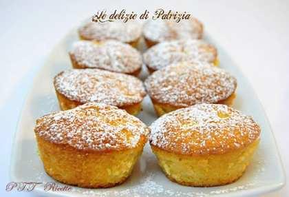 Tortine con farina di mandorle e mele