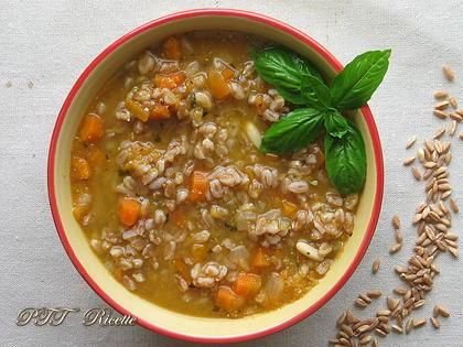 Zuppa di carote e farro